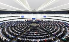 Laat het Europees Parlement links-rechtstegenstellingen links liggen?